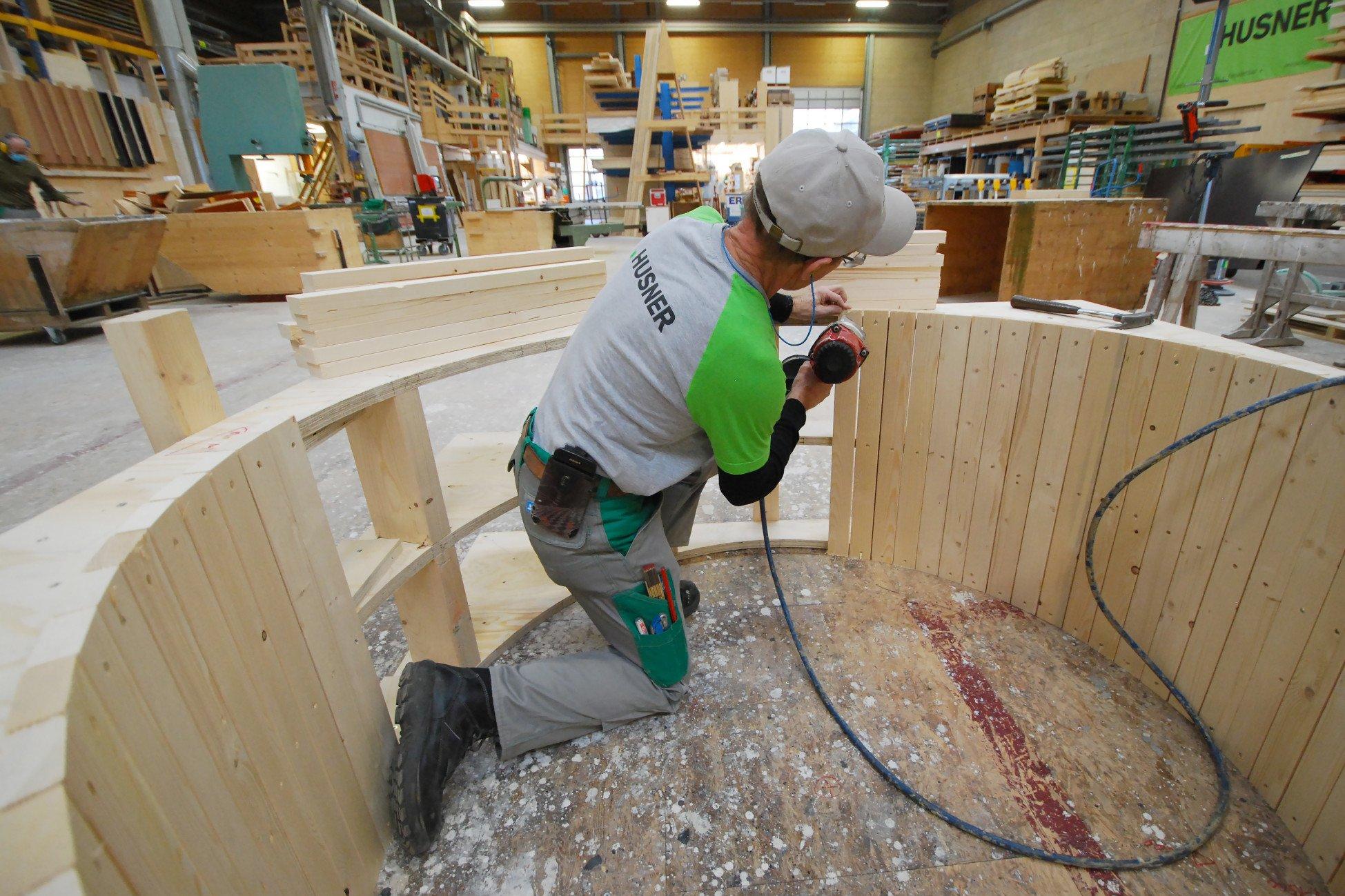 HUSNER produziert Betonschalungen in Holz auf Mass