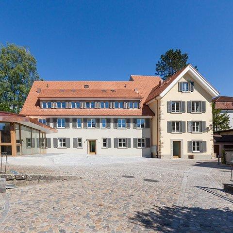 Umbau und Sanierung Haus am Schlossberg mit Ausbau Dachgeschoss zu Wohnraum  mit Einbau Dachfenster und Lukarnen