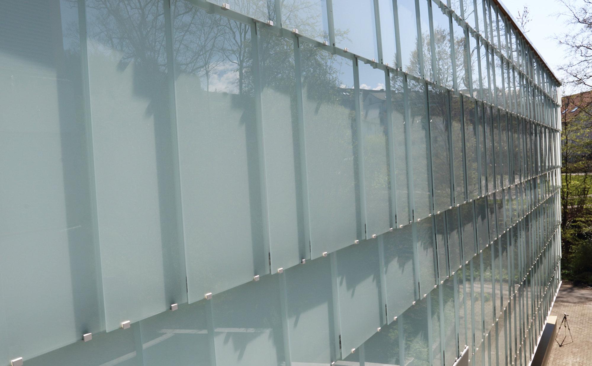 Glasfassade geschuppt